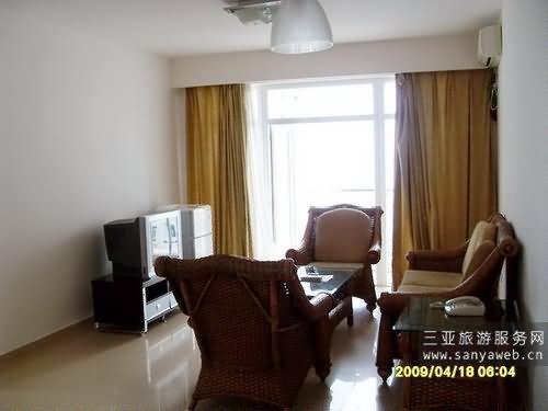 蓝海豪苑海景公寓-园景套房-c-6f号套房/位于6楼-客厅
