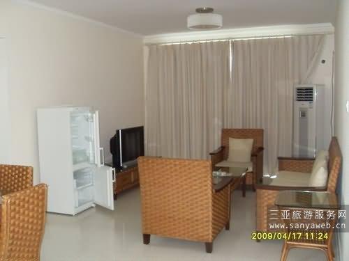蓝海豪苑海景公寓-海景套房c-c-16g号套房/位于16楼-客厅