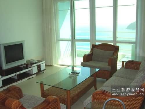 温馨海景公寓-全海景4房2厅-16a号套房/位于16楼-客厅